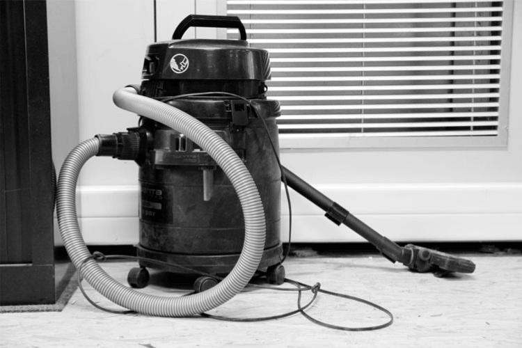 aspirateur-de-chantier-festool-aspirateur-chantier-decolmatage-automatique-aspirateur-de-chantier-location-aspirateur-eau-et-poussiere-aspirateur-platre-aspirateur-professionnel-voiture-aspirateur-chantier-pas-cher-aspirateur-à-eau-professionnel